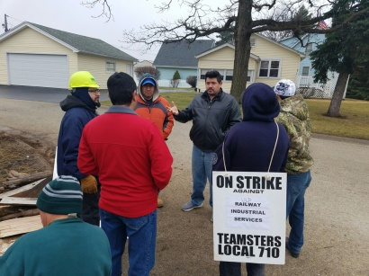 Day six of the ULP strike at Railway Industrial Services (01.22.17)