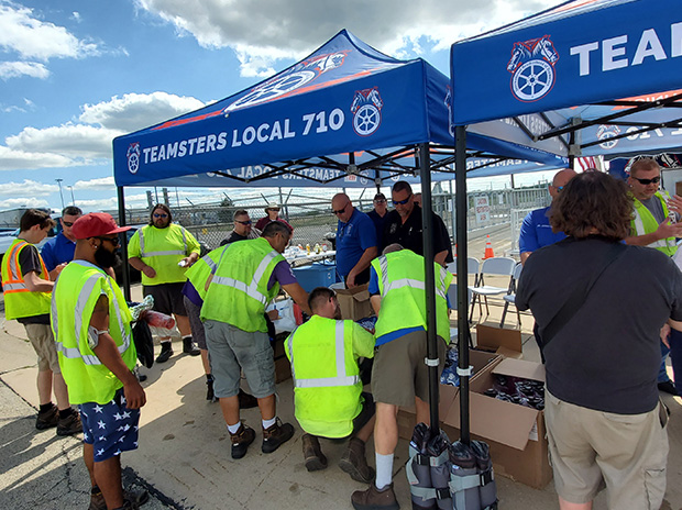 Local 710 Hosts Union Get-Together at UPS Rockford – The